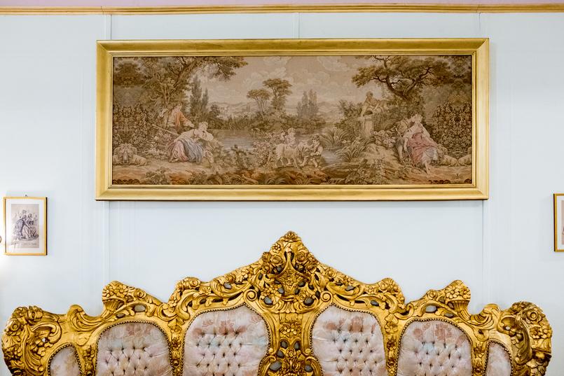 Le Fashionaire Jóia da Coroa: Fui tomar chá com a Rainha D. Amélia joia coroa salao cha rua flores opulencia cadeirao corrido talha dourada quadro 2684 PT 805x537