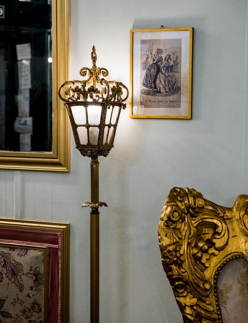 Le Fashionaire Jóia da Coroa: Fui tomar chá com a Rainha D. Amélia joia coroa salao cha rua flores opulencia cadeirao corrido talha dourada quadro 2685 PT 805x1051