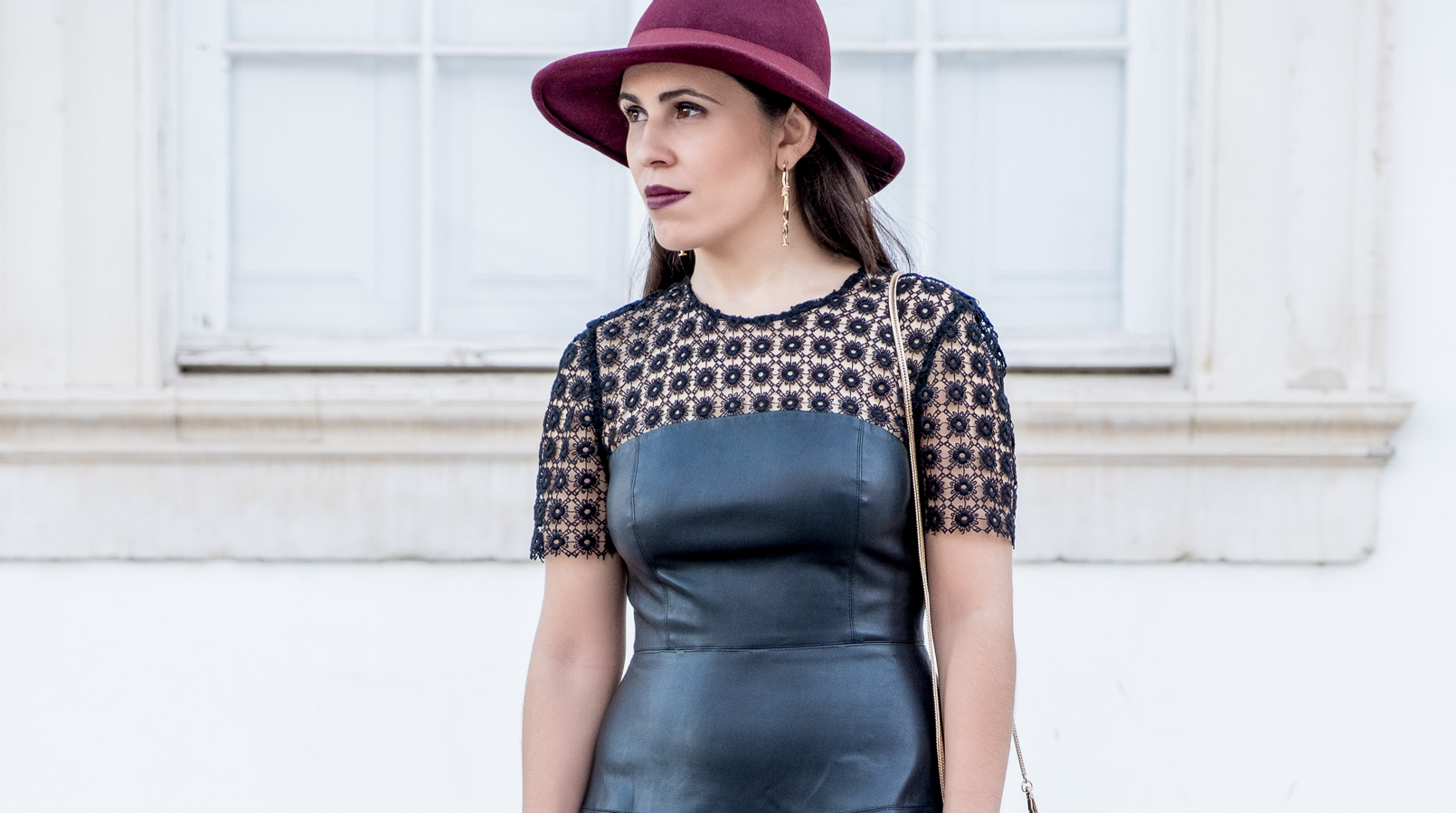 Le Fashionaire What to pair with a black fake leather dress? leather embroidered black dress lady like zara gold bold mango spikes earrings burgundy wool bow hat 0727F EN