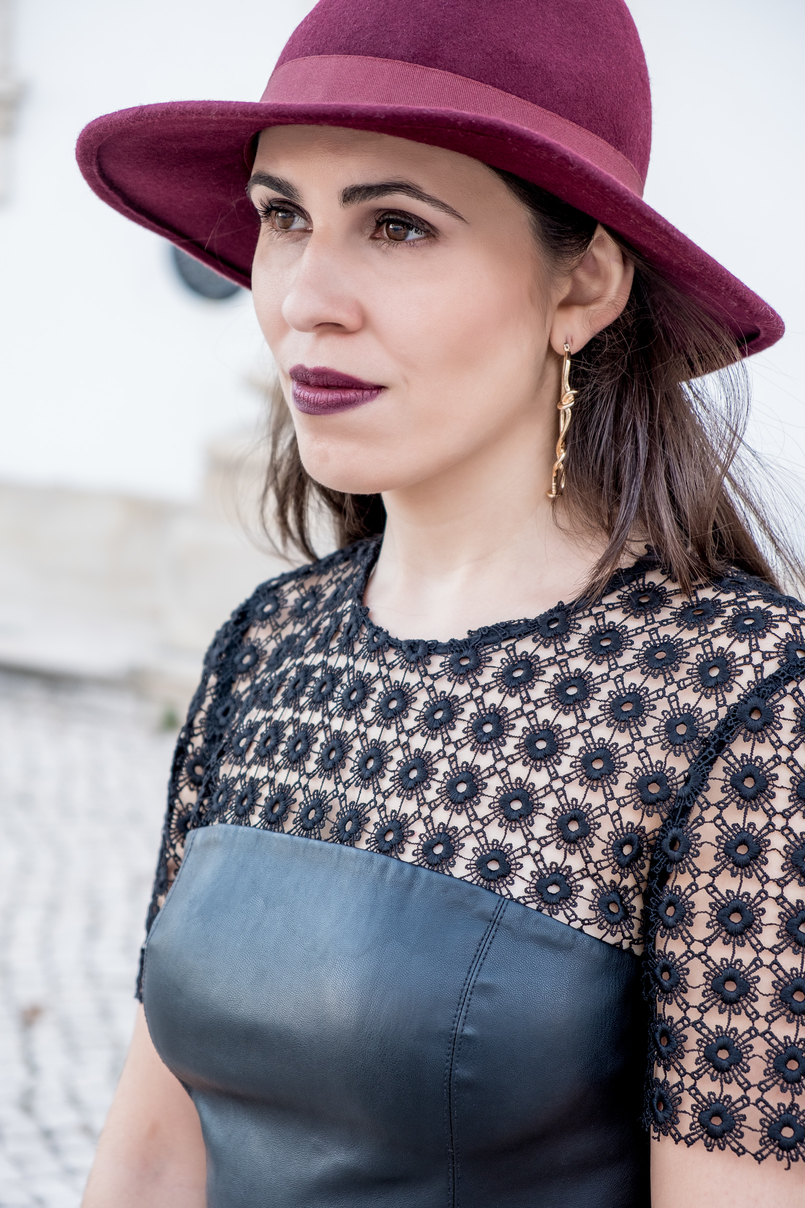 Le Fashionaire What to pair with a black fake leather dress? leather embroidered black dress lady like zara gold bold mango spikes earrings burgundy wool bow hat 0767 EN 805x1208