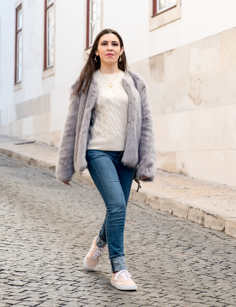 Le Fashionaire What to shop for on black friday (with discount codes) nude cozy eights cashmere mango knit denim zara jeans white pearls cinco gold world map necklace light pink suede gold dots vans 3005 EN 805x1046