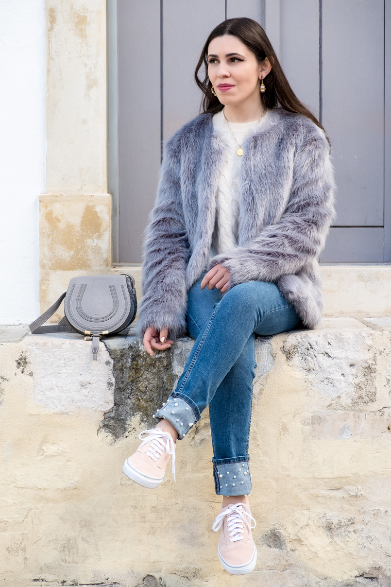 Le Fashionaire What to shop for on black friday (with discount codes) nude cozy eights cashmere mango knit denim zara jeans white pearls light pink suede gold dots vans chloe mini marcie leather grey bag 2929 EN 805x1208