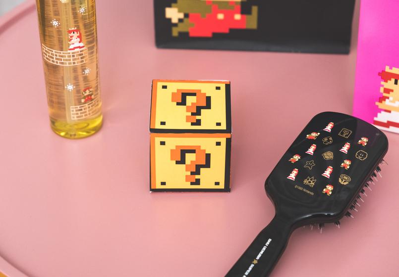 Le Fashionaire Shu Uemura X Super Mario: O segredo para um cabelo bonito oleo absolue oil shu uemura super mario escova preta super mario cerdas javali ponto interrogacao caixa amarela 1175 PT 805x560