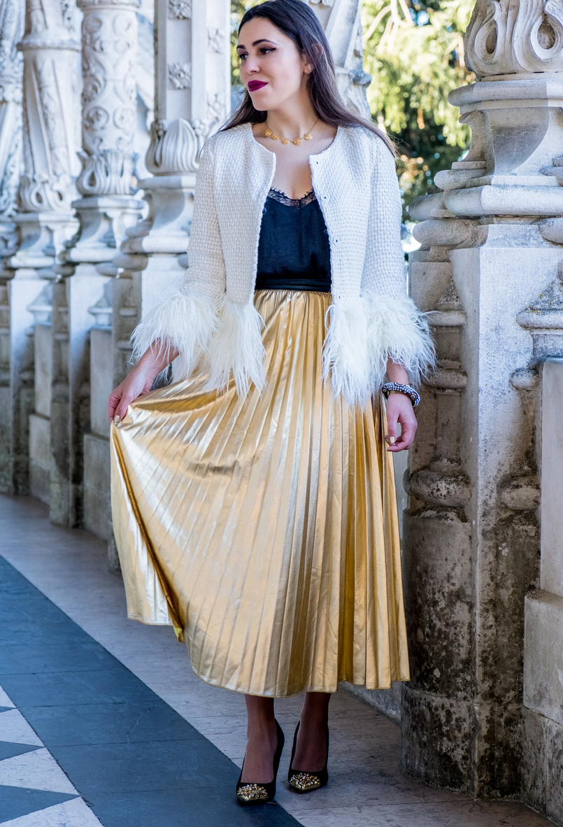 Le Fashionaire What to wear on christmas? pleated gold shein skirt gold pointed spikes black zara heels portuguese filigree gold pearls chic necklace 2768 EN 805x1182