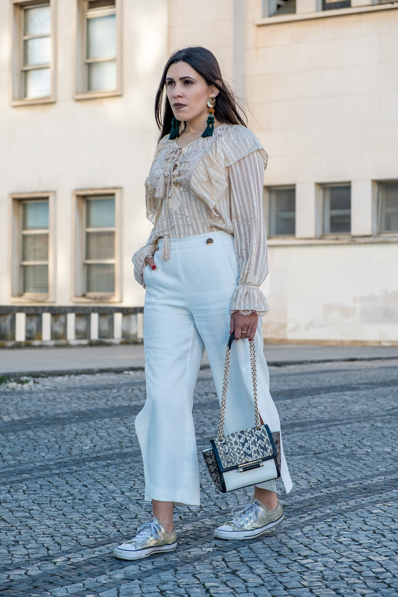 Le Fashionaire 3 reasons why i love silk blouses silk nude stripes ribbons silk uterque blouse white gold buttons zara trousers all stars converse gold sneakers 0680 EN 805x1208