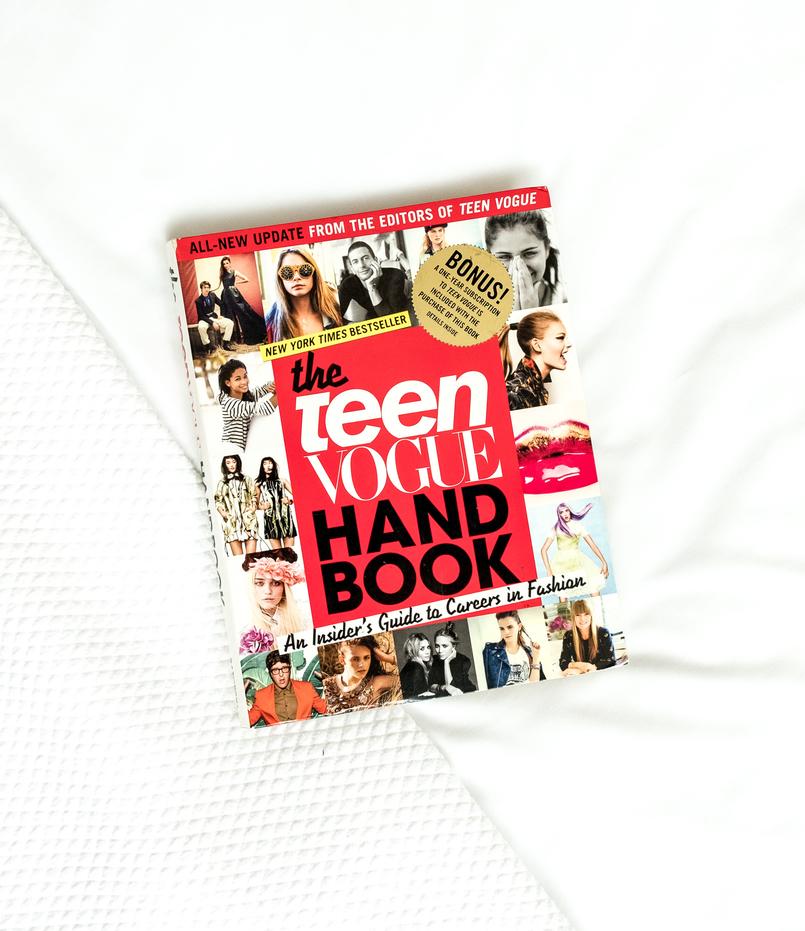Le Fashionaire 4 fashion books you need now white black how be parisian book book 1305 EN 805x931