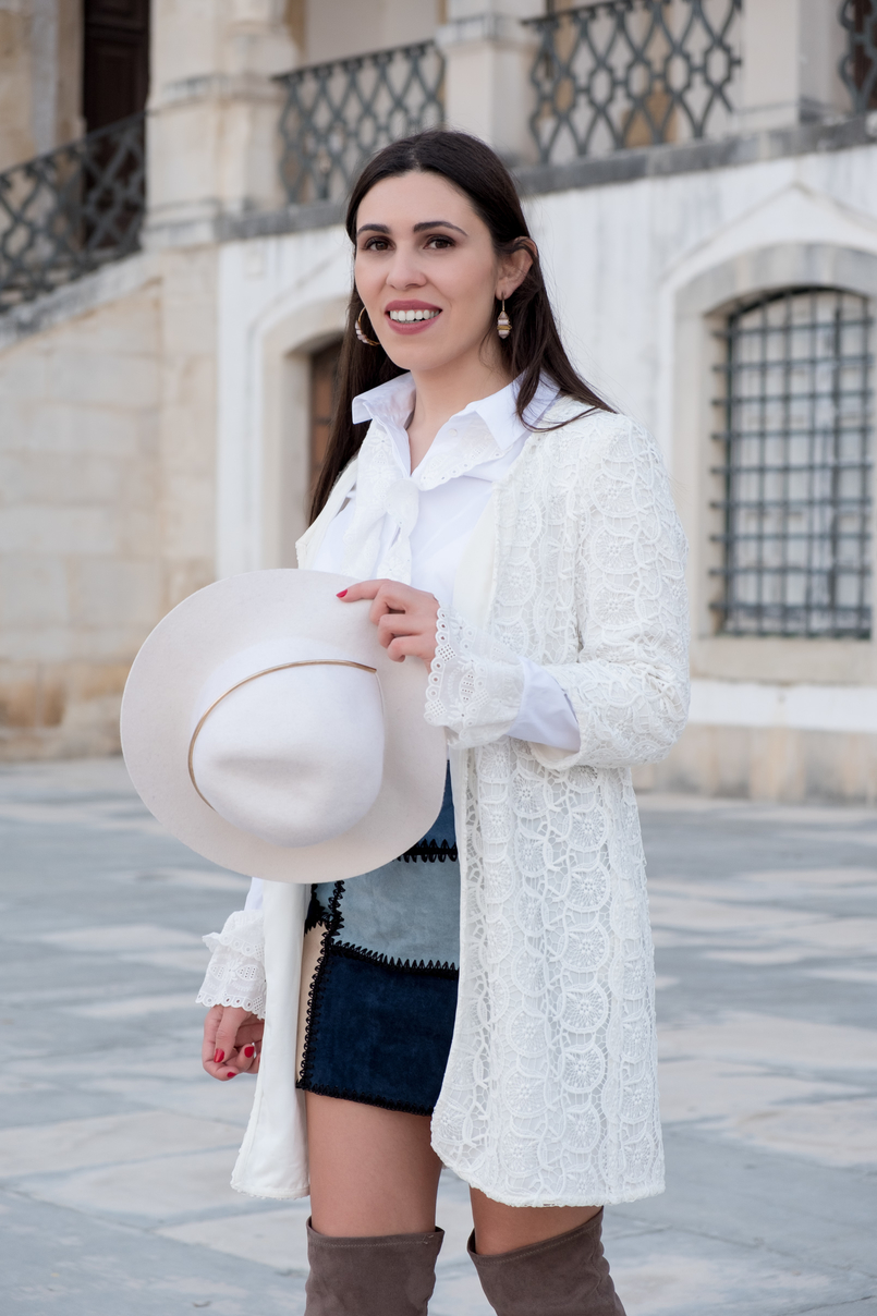Le Fashionaire Can short women wear over the knee boots? white lace maxi cardigan zara white wool hat patchwork leather blue skirt parfois hoop earrings 0925 EN 805x1208
