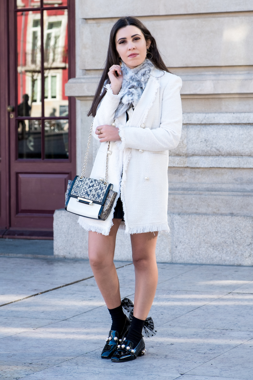 Le Fashionaire Where to find cool socks for fall? white tweed coat pearls buttons zara fur grey white sfera stole white leather snake print diane von furstenberg bag 1860 EN 805x1208