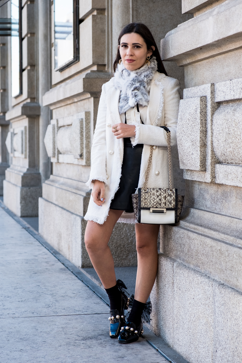 Le Fashionaire Where to find cool socks for fall? white tweed coat pearls buttons zara white black bow neck zara shirt fur grey white sfera stole vinil pearls shein black gold shoes 1894 EN 805x1208