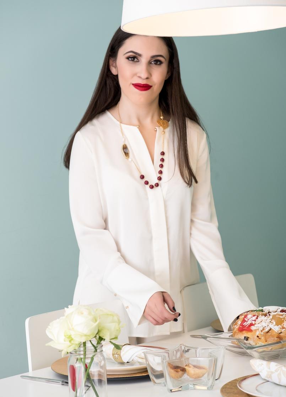 Le Fashionaire Sugestões de presentes de natal: Jóias camisa branca seda zara filigrana coracao pedras vermelhas colar 4105 PT 805x1119