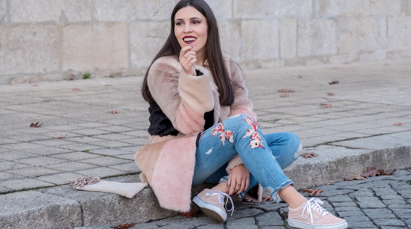 Le Fashionaire O melhor do inverno são os casacos casaco pelo comprido rosa preto bege asos calcas ganga clara bordados rosa peixes zara 3323F PT