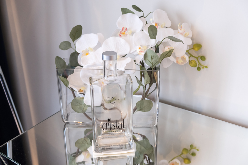 Le Fashionaire I found a Crystal in Oporto's heart cristal hotel oporto crystal water bottle white orchids 3861 EN 805x537