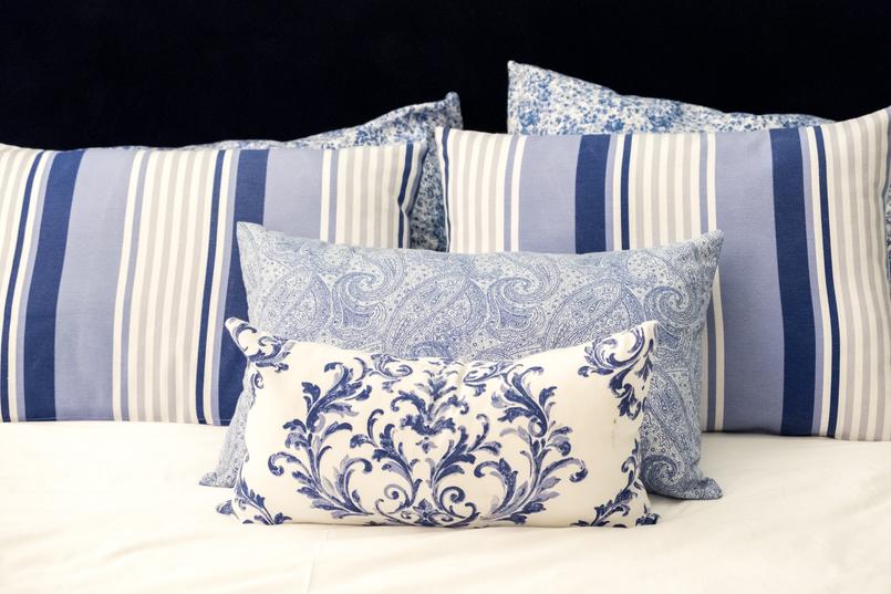 Le Fashionaire I found a Crystal in Oporto's heart cristal hotel oporto white blue cushions 3743 EN 805x537