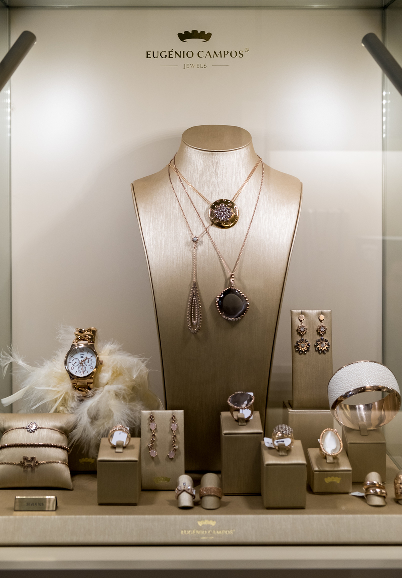 Le Fashionaire Eugénio Campos: the jewelry store you need to know eugenio campos jewelry shop 3935 EN 805x1159