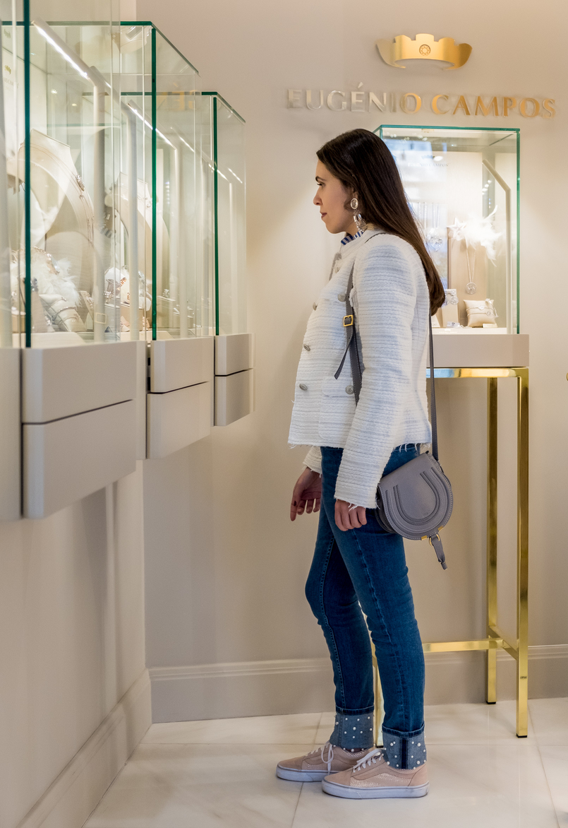 Le Fashionaire Eugénio Campos: the jewelry store you need to know eugenio campos jewelry shop chloe mini marcie leather bag pale pink gold dots suede vans white zara tweed jacket white blue vertical stripes shein shirt 3936 EN 805x1172