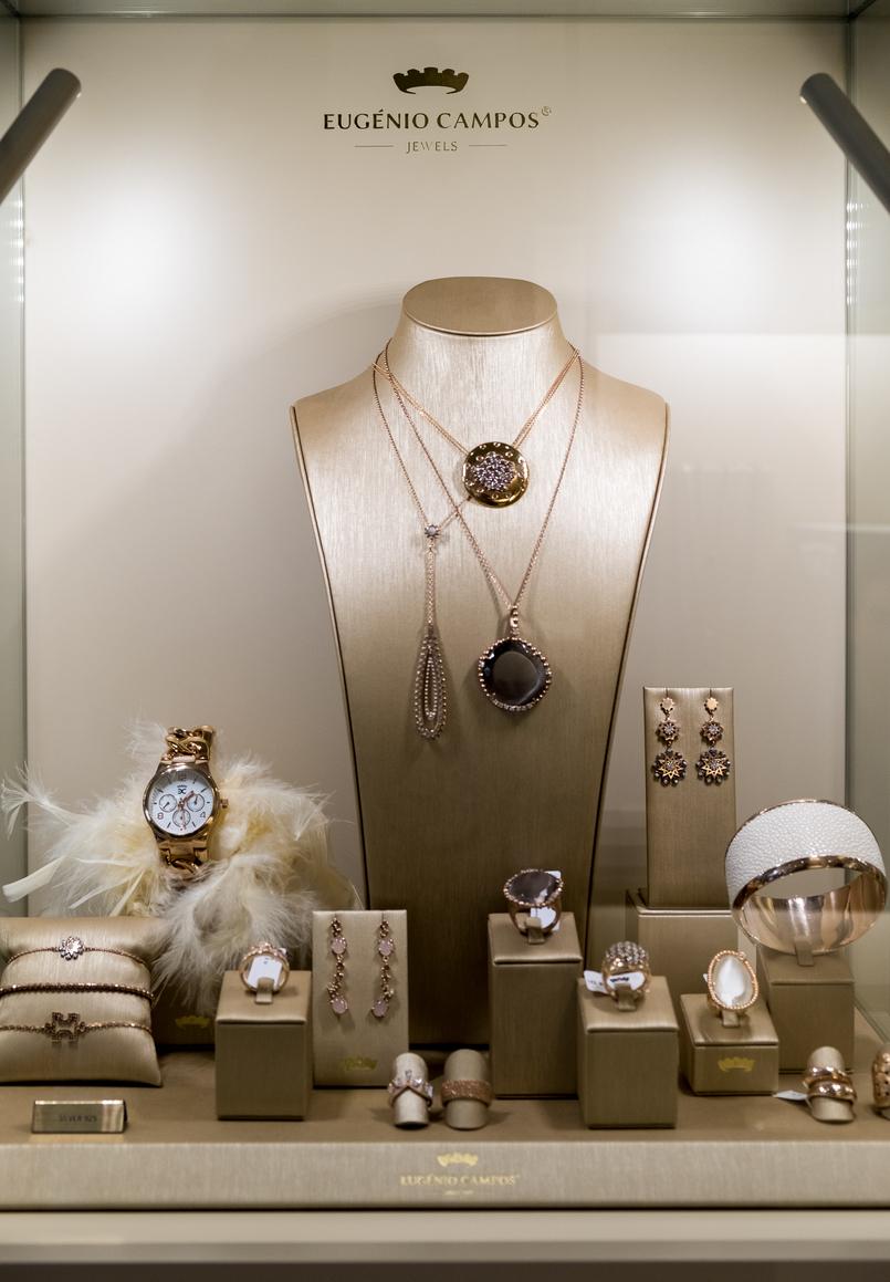 Le Fashionaire Eugénio Campos: as jóias que contam histórias eugenio campos joias loja 3935 PT 805x1159