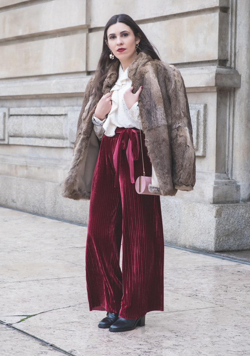 Le Fashionaire Chic outfit for Christmas day flare velvet burgundy pants white gold dots chic zara shirt fall winter faux fur brown coat black leather white pearls zara boots 6234 EN 805x1146