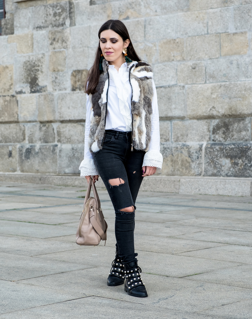 Le Fashionaire Effort doesn't always equals to success fur white brown vest dark grey ripped zara jeans black leather white pearls zara boots gold green bold tassels zara earrings 3094 EN 805x1016