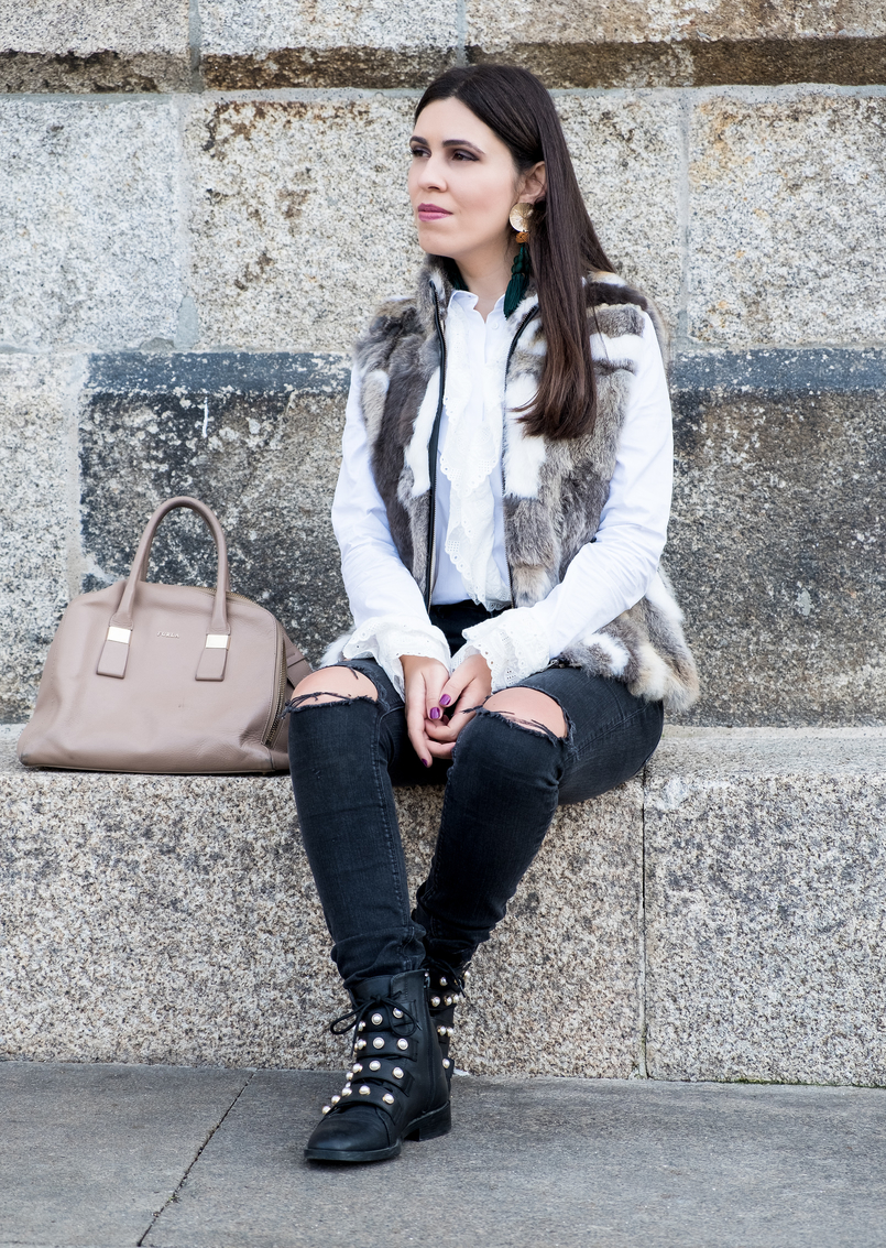 Le Fashionaire Effort doesn't always equals to success fur white brown vest dark grey ripped zara jeans black leather white pearls zara boots nude leather bag furla 3102 EN 805x1133