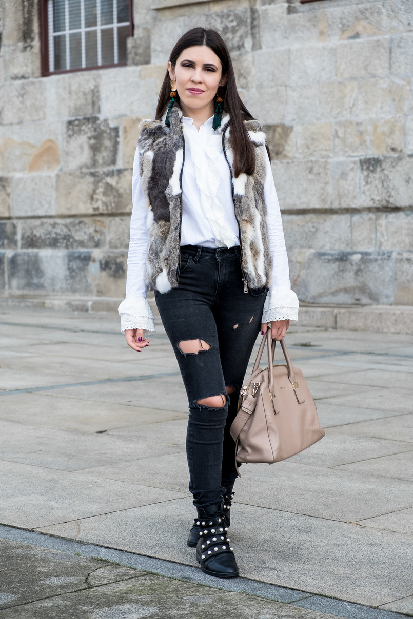 Le Fashionaire Effort doesn't always equals to success fur white brown vest dark grey ripped zara jeans white cotton swiss embroidered ruffles uterque shirt nude leather bag furla 3069 EN 805x1208
