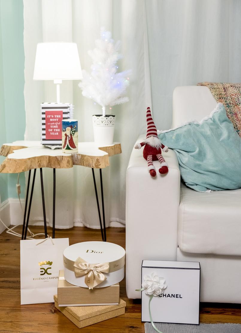 Le Fashionaire Feliz Natal! gorro natalicio pelinhos caixa chanel dior preto branco dourado sacos natalicios arvore natal 4637 PT 805x1114