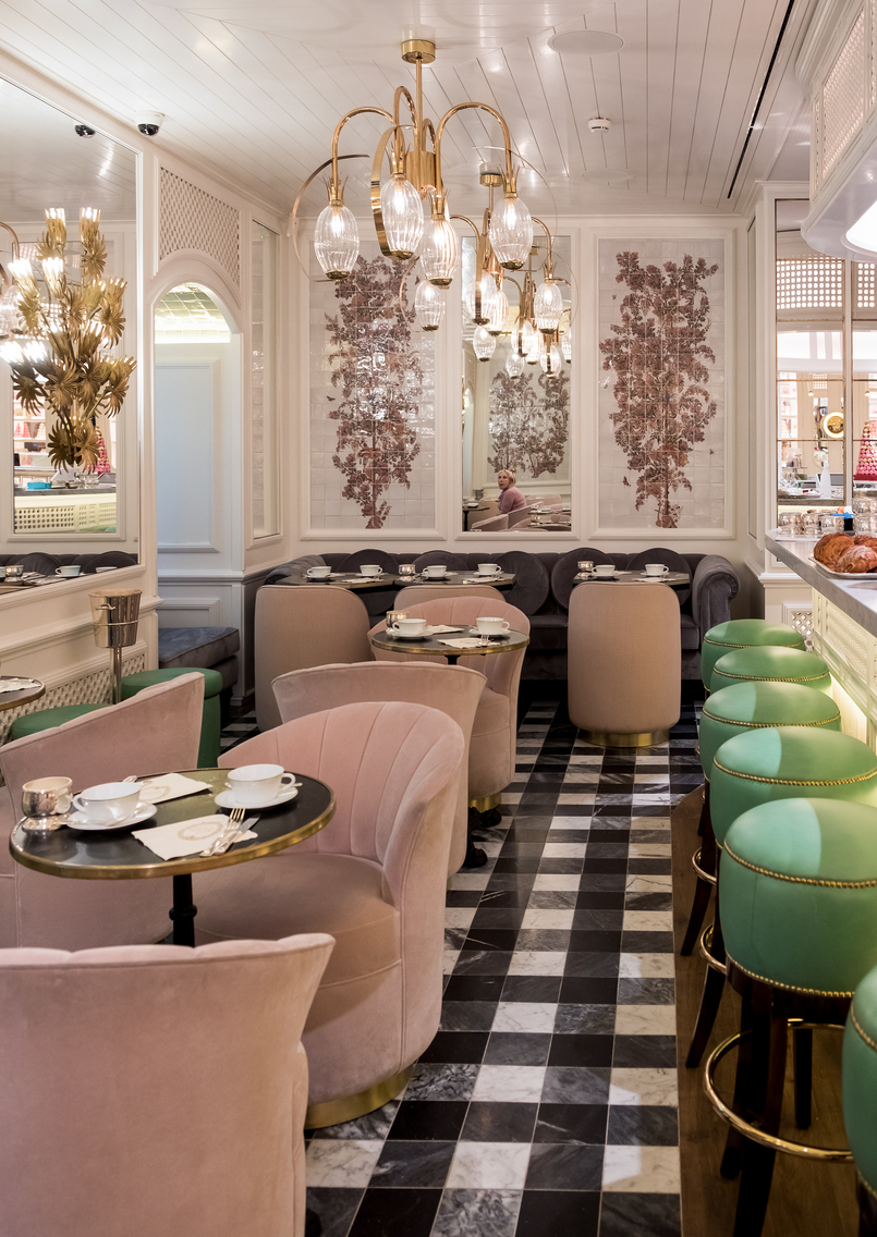 Le Fashionaire Ladurée in Lisbon: the tea room you need to know laduree decor velvet pale pink chairs green seats gold floral portuguese tiles 5061 EN 805x1136