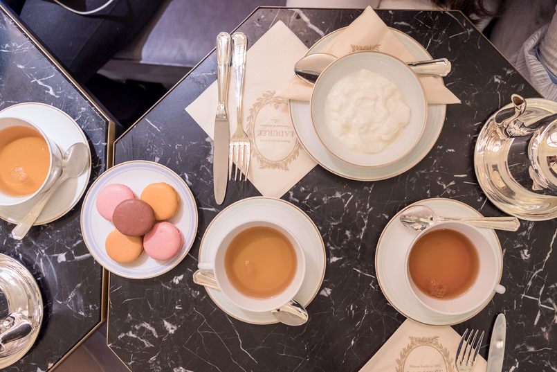 Le Fashionaire Ladurée in Lisbon: the tea room you need to know macarons pink orange brown chocolate passionfruit rose petals 5079 EN 805x537