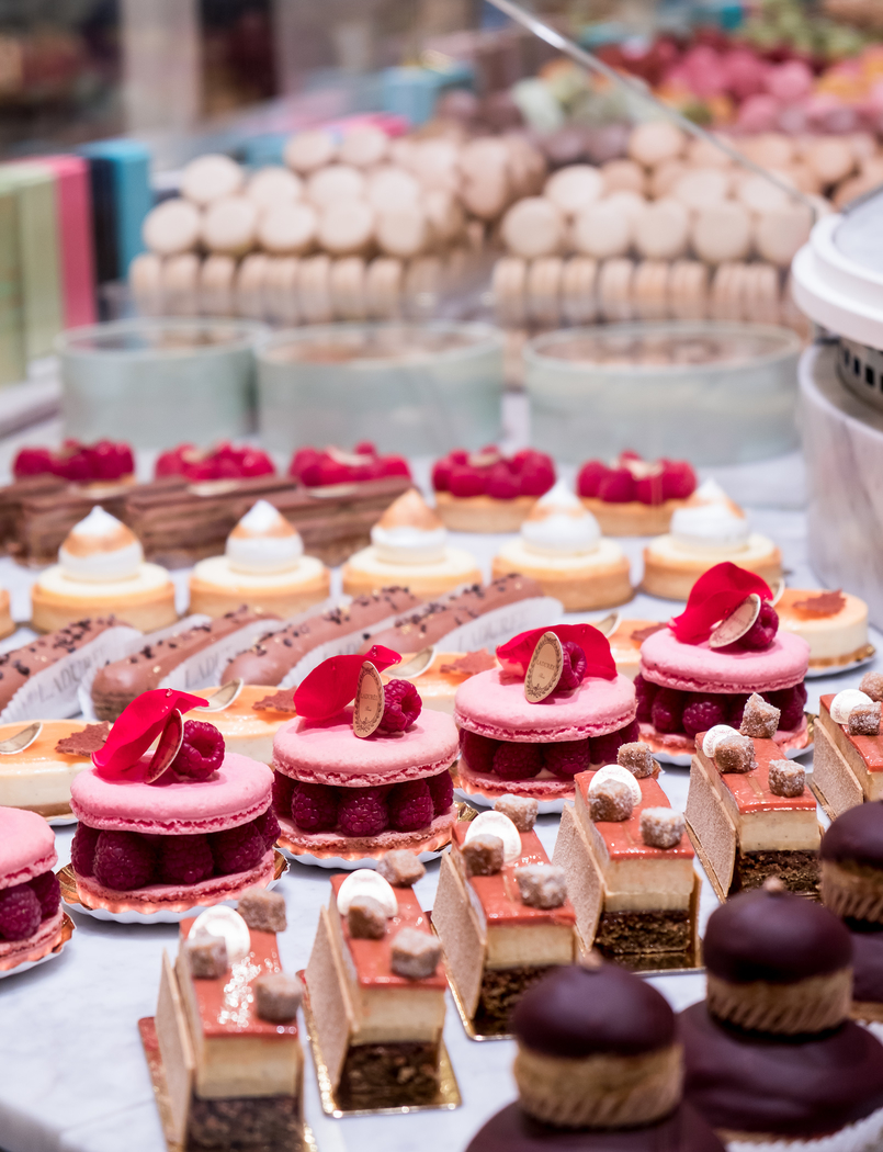 Le Fashionaire Ladurée in Lisbon: the tea room you need to know macarons pink orange brown chocolate passionfruit rose petals 5356 EN 805x1050