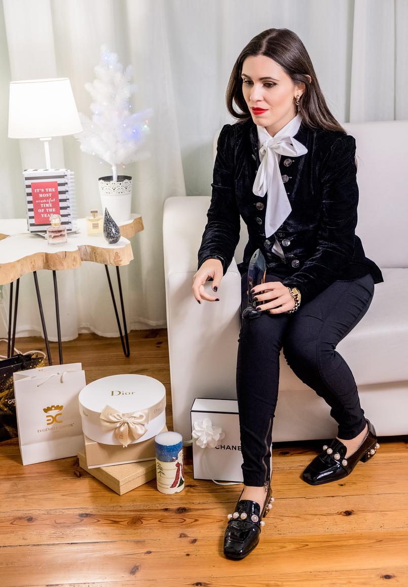 Le Fashionaire Os 4 melhores perfumes para oferecer este natal perfume labios vermelhos camisa branca laco grande globe sapatos pretos verniz perolas shein sapato good girl carolina herrera 5024 PT 805x1158