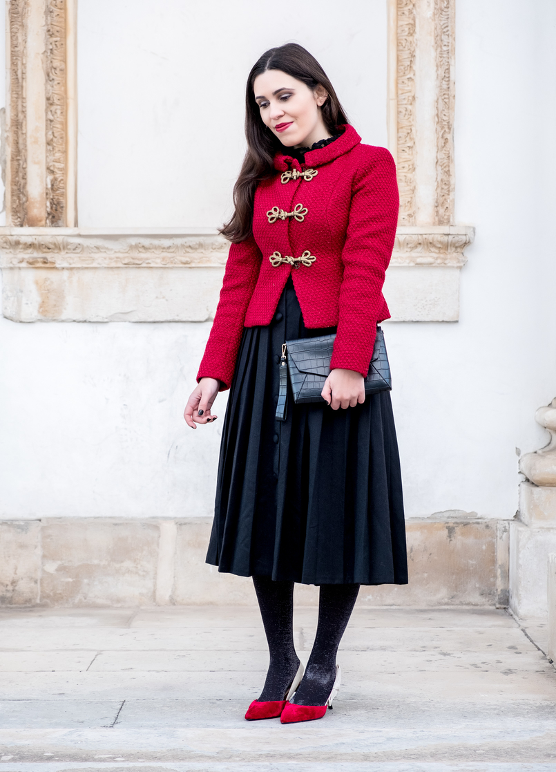 Le Fashionaire Christmas classic outfit red sparkling wool gold fastenings lanidor jacket black midi skirt front buttons old velvet red heels dior inspired mango shoes 6548 EN 805x1117