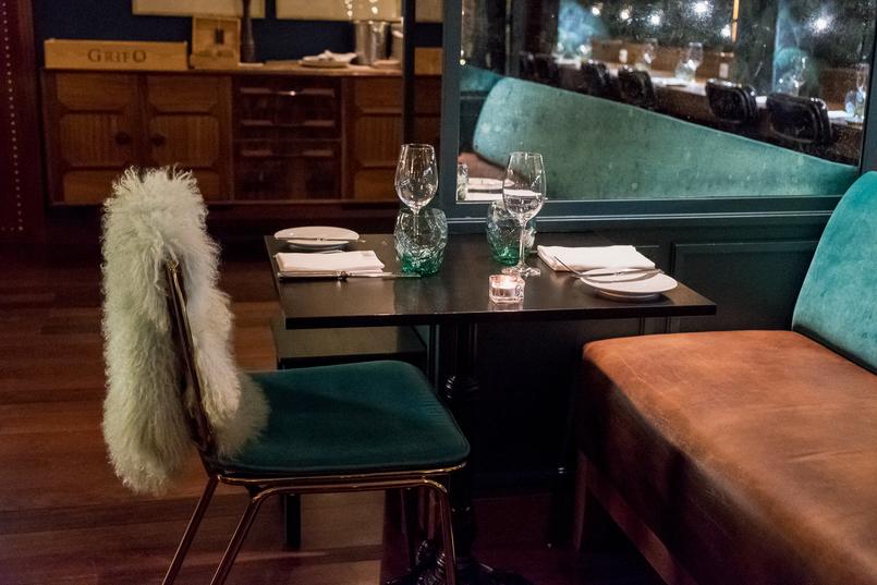 Le Fashionaire Onde jantar na passagem de ano: RIB Beef & Wine rib beef wine hotel pestana vintage cadeira verde manta menta 5620 PT 805x537