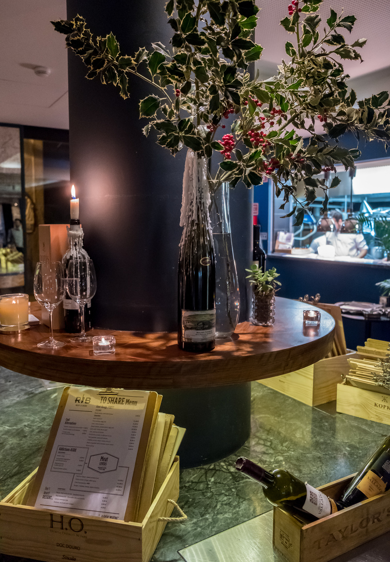 Le Fashionaire Where to have dinner on New Year's Eve rib beef wine pestana vintage hotel green decor 5622 EN 805x1159
