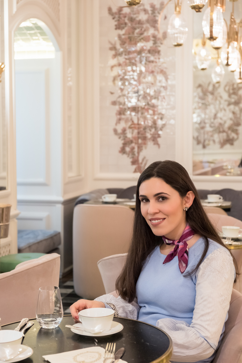 Le Fashionaire Ladurée in Lisbon: the tea room you need to know sky blue lace sweater pink emilio pucci scarf 5248 EN 805x1208