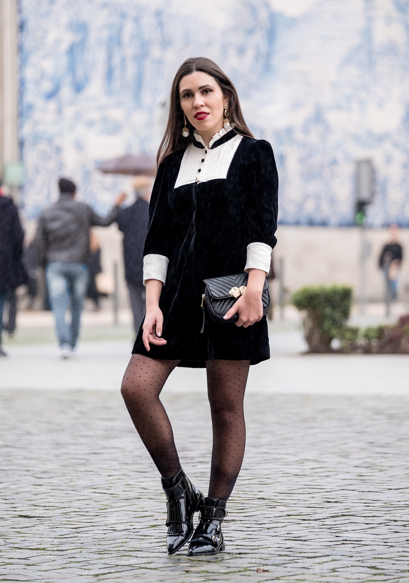 Le Fashionaire I've found the perfect boots for rainy days black velvet white coquette parisian zara dress pointy vinyl black massimo dutti ankle boots bold earrings gold pearl green stone 8421 EN 805x1146