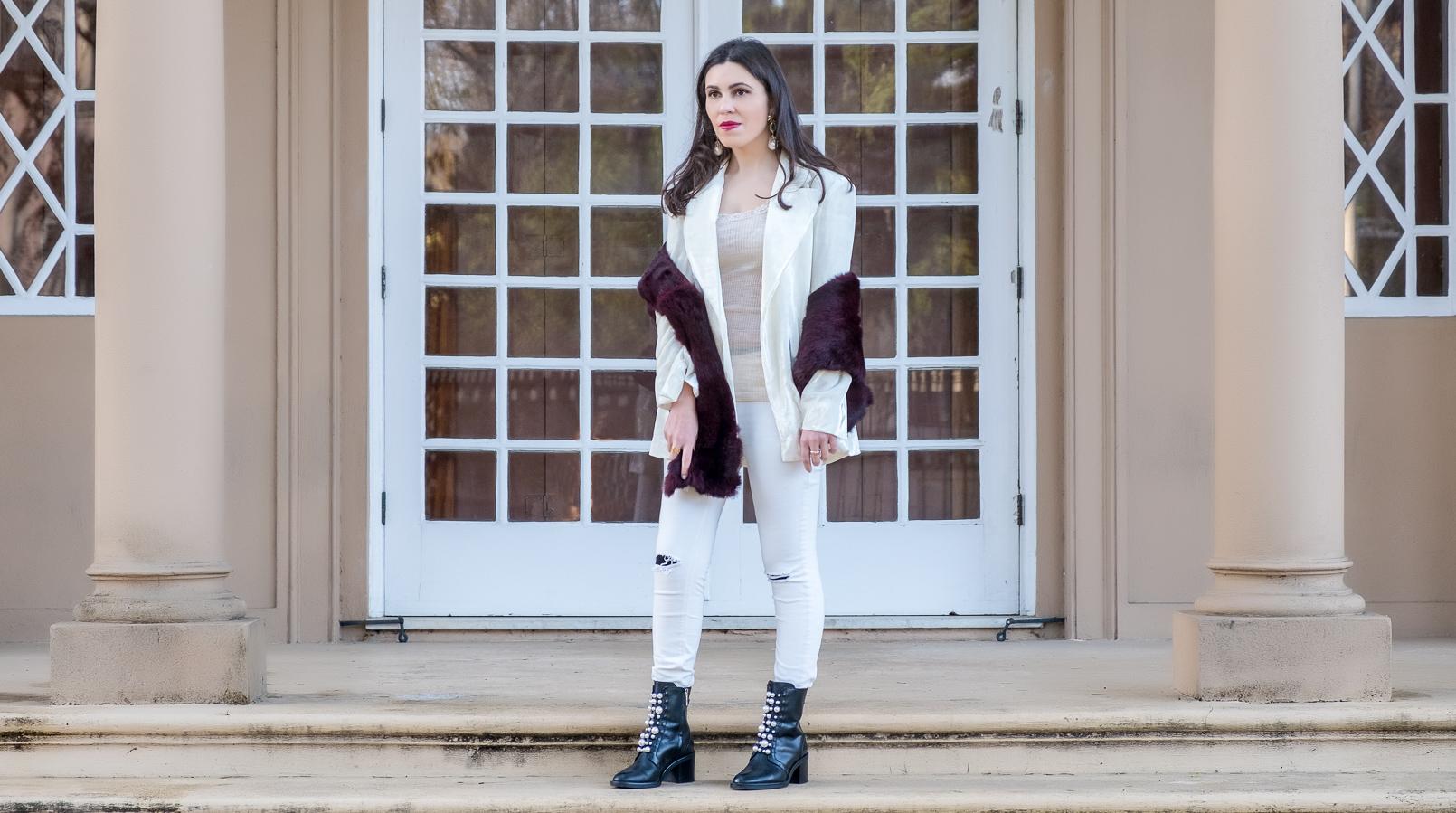 Le Fashionaire Duas peças para vestir em Janeiro blazer branco oversized veludo mango premium calcas brancas rasgoes mango botins pretos pele perolas brancas salto alto zara estola cor vinho sfera 7252F PT
