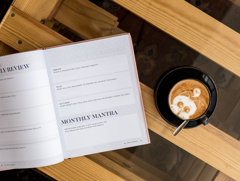Le Fashionaire Cafés giros no Porto:  Apartamento cafe apartamento porto cappuccino desenho gatinho agenda rosa my pro planner organizacao 7634 PT 805x609
