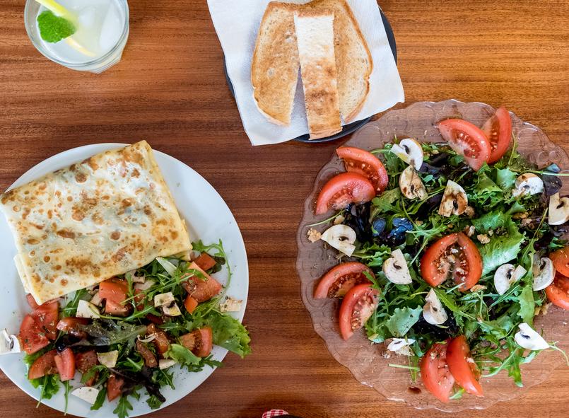 Le Fashionaire Cafés giros no Porto:  Apartamento cafe apartamento porto crepe salgado salada cogumelos 7610 PT 805x591