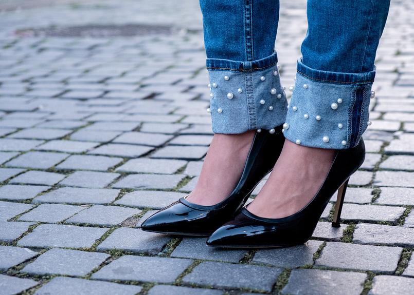 Le Fashionaire A internet é a nova caça às bruxas? calcas ganga perolas brancas zara sapatos pretos bicudos stilettos verniz aldo boina preta tipo pele zara 7536 PT 805x575