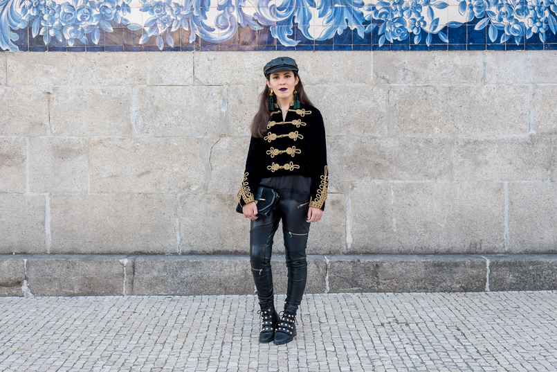 Le Fashionaire Where to buy cool military jackets? military black velvet gold embroidered zara jacket black fake leather biker trousers zara black leather zara boots white pearls 2249 EN 805x537
