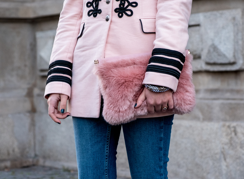 Le Fashionaire Is Internet the new witch hunt? pink velvet black embroidered military zara jacket faux fur pink stradivarius clutch 7409 EN 805x591