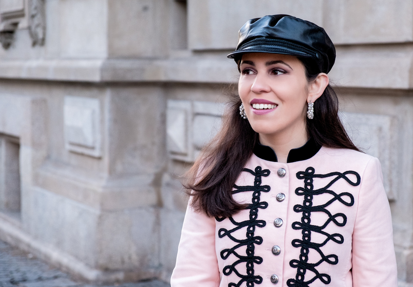 Le Fashionaire Is Internet the new witch hunt? pink velvet black embroidered military zara jacket pearls white hoops earrings pedra dura 7527 EN 805x559