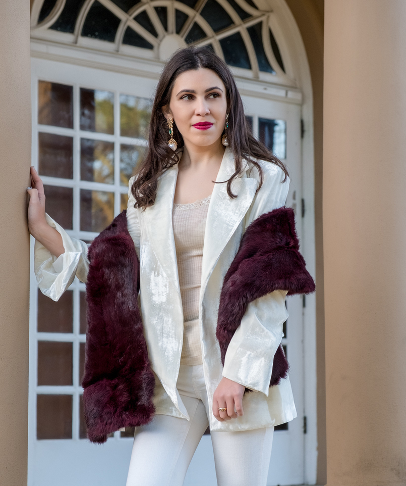 Le Fashionaire Two key pieces to wear in January white oversized velvet mango premium blazer lace nude intimissimi silk wool sweater gold white pearls bold mango earrings burgundy faux fur sfera stole 7245 EN 805x962