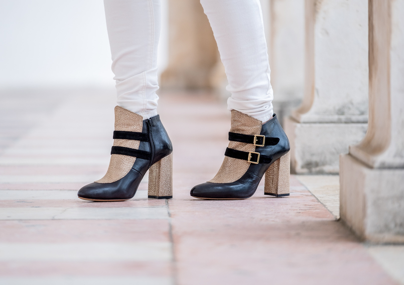 Le Fashionaire The ankle boots you'll see me wearing nonstop until spring Gold black all leather portuguese shoes dario madeira ankle boots white mango skinny jeans 9790 EN 805x569