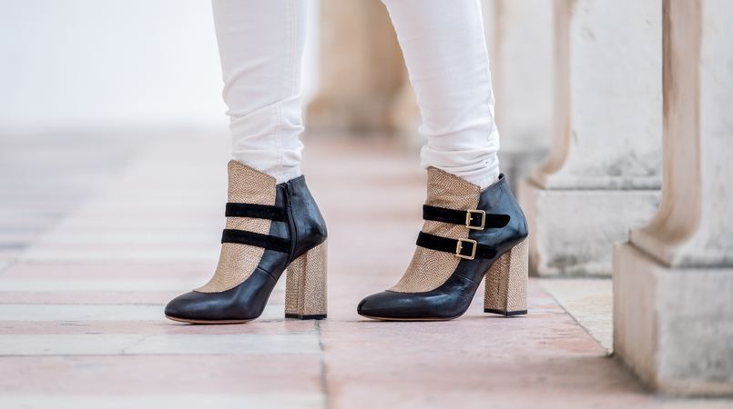 Le Fashionaire The ankle boots you'll see me wearing nonstop until spring Gold black all leather portuguese shoes dario madeira ankle boots white mango skinny jeans 9790F EN 805x450
