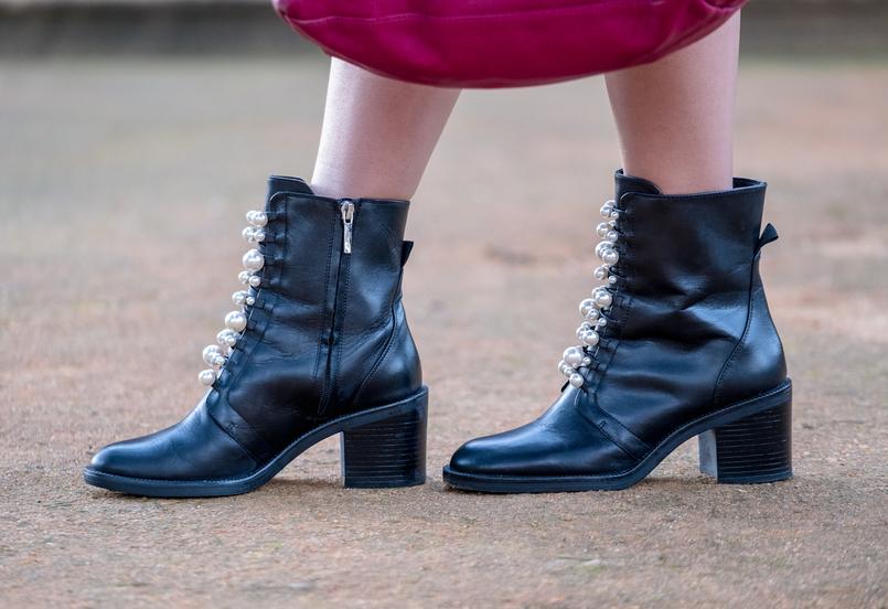 Le Fashionaire Tendência: as bolinhas são atemporais botins pretos perolas brancas pele zara 8886 PT 805x552