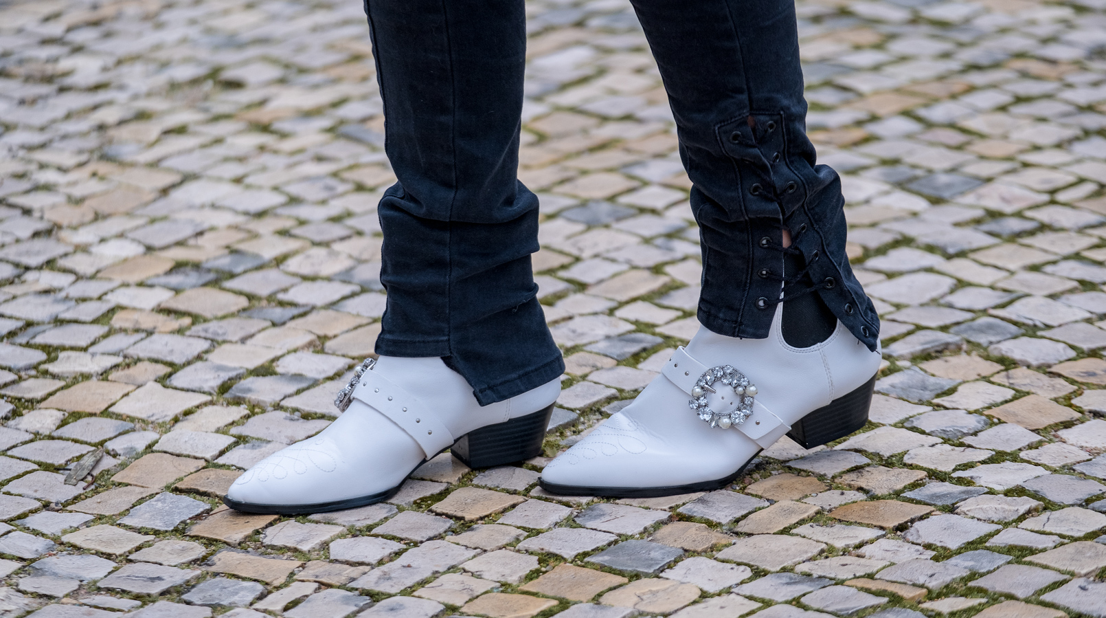 Le Fashionaire Comprei umas botas à cowboy: e agora? calcas pretas skinny zara botas brancas cowboy stradivarius 9872F PT