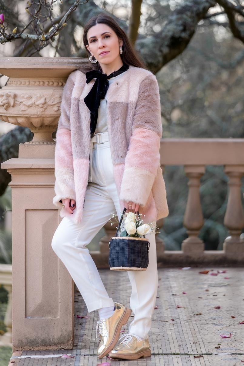 Le Fashionaire A ti, Margarida casaco rosa preto pelo asos calcas brancas cinto la mango sapatos oxford metalizados dourado sola cortica mango camisola branca canelada caxemira branca 1008 PT 805x1208