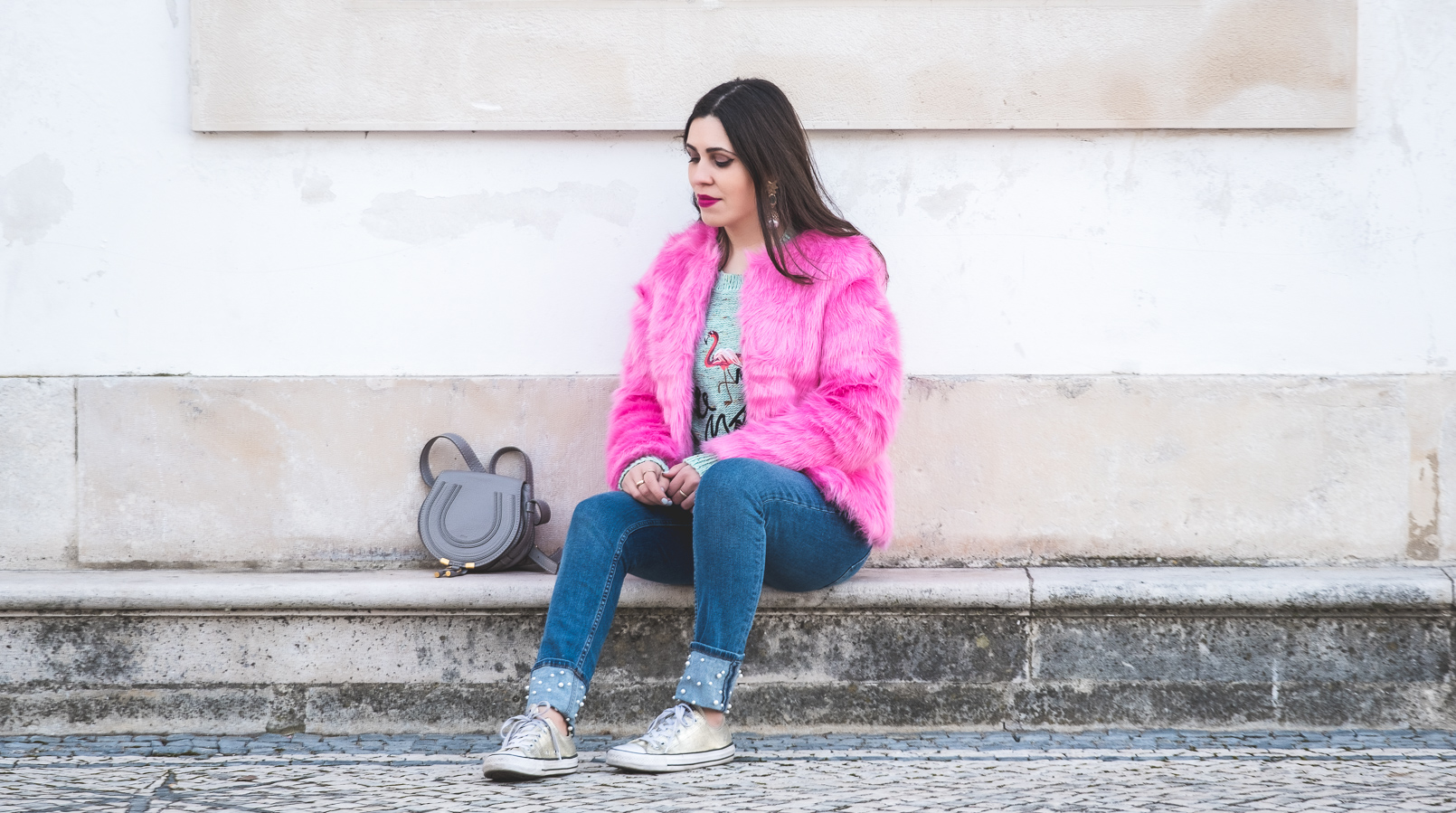 Le Fashionaire The not so casual pink faux fur faux fur pink hm coat green jumper knit embroidered flamingo sweater denim zara jeans white pears chloe mini marcie gray 0251F EN