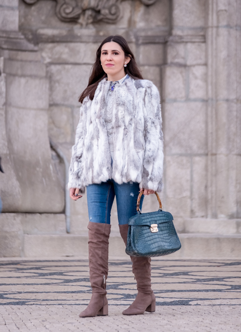 Le Fashionaire Brooches: are them an old women accessory? fur white gray sfera coat stradivarius jeans over knee gray suede bershka boots bamboo fake leather blue croc lanidor bag 1051 EN 805x1107