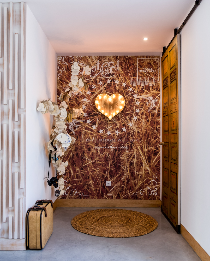 Le Fashionaire Luz Houses: o hotel que aconchega a alma e aquece o coração hotel luz houses cantinho mensagens amor mala viagem 9313 PT 805x1000